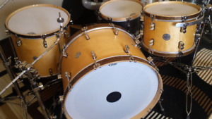 """24"""" 16"""" 13"""" Maple drums"""