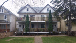 Well Cared For Character 2 Bedroom Apt In Quiet St. Boniface
