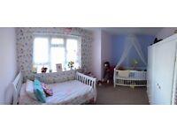 Homeswap!!!!! 2 bed fff Heathrow want 2-3 bed