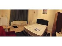 SPACIOUS DOUBLE, FULLY FURNISHED ROOM TO-LET (Single person) Manor park, Ilford