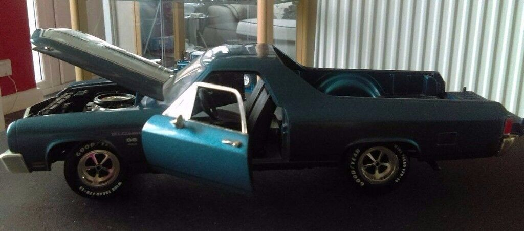 Ertl 1/18 Scale 7263 Chevrolet El Camino SS 454 Metallic blue diecast model car.