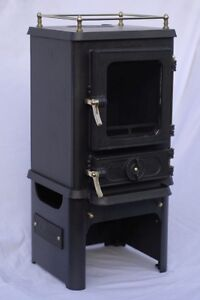 Fireplace - Cast Iron Hobbit from the UK - Burns coal or wood!!