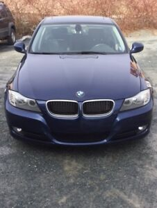 Beautiful 2011 BMW 323 excellent condition