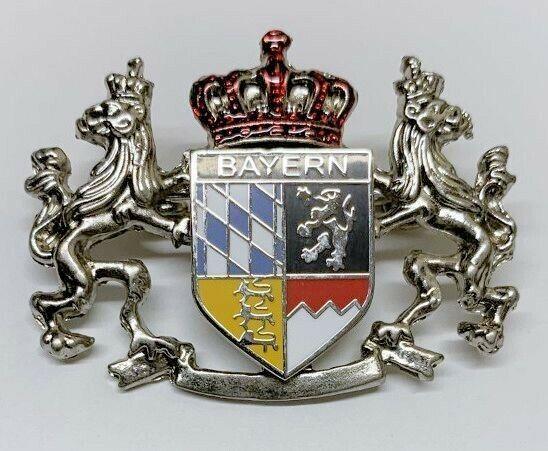 Oktoberfest German hat pin 2 Lions Bayern