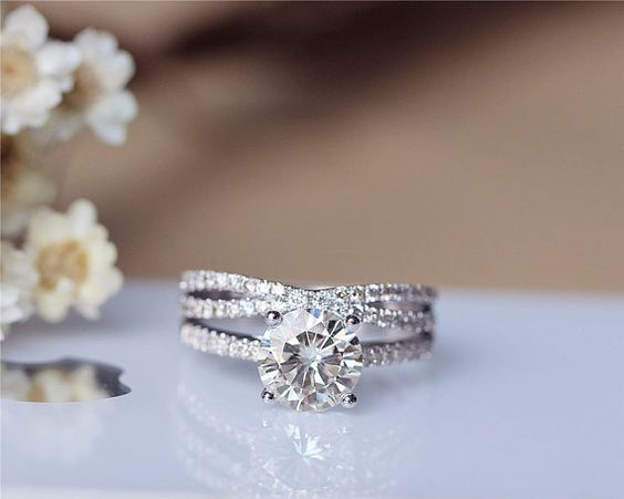 1.61 Ct Round Brilliant Cut Off White Yellow Moissanite Ring, 925 Silver Ring Hh