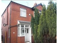 ALL BILLS INCLUDED Double bedroom in Spacious house. Great transport to Stockport or Manchester