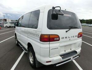 2000 Mitsubishi Delica Minivan, Van