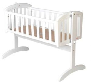 NEW-Nursery-Baby-Cradle-Bassinet-Wooden-WHITE-MATTRESS-baby-cot