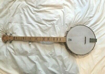 Deering Goodtime Banjo (Needs new strings)