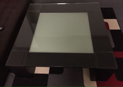 Heavy duty tampered glass coffee table and delivery