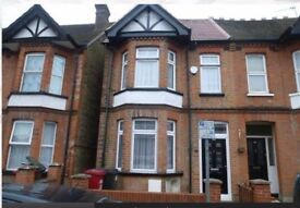 Stunning house with large rooms in Slough Town Centre