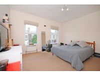 Double room to rent in gay house share in West Ealing