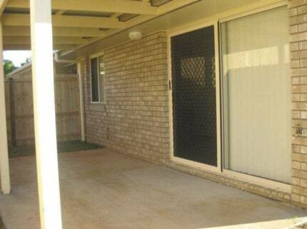 2 bedroom unit JOYNER 4500 air conditioned living area fast NBN