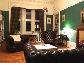 Professional wanted for flat share in a fantastic west end flat.