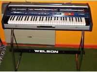 70s synth. With legs & pedal Gypsie WELSON