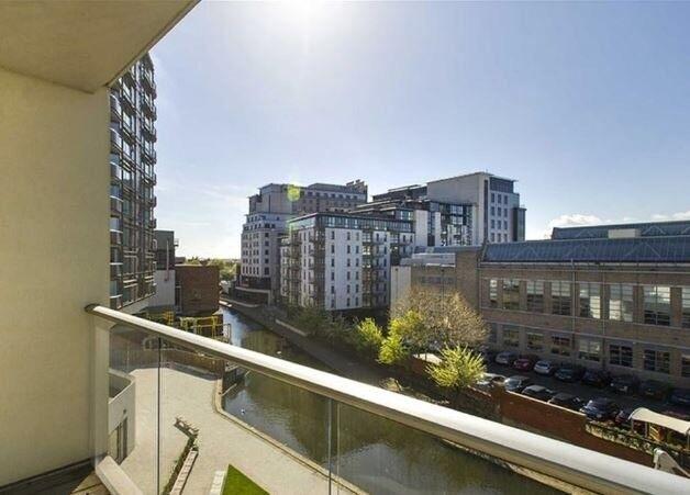 2 bed apartment , city centre HOME SWAP