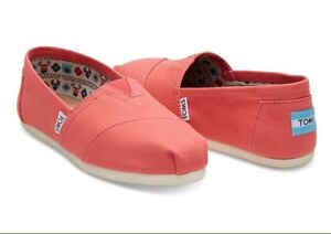 Brand new pink/coral Toms