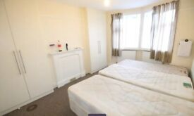 Twin Double Room to Rent in Shared House on Sutton Hall Road, Hounslow TW5