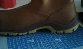 Brand new Rigger boots