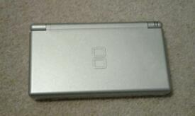 Unboxed Mint condition silver Nintendo DS Lite