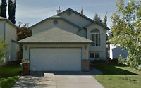 Great BiLevel with Finished basement in Oakmont - St Albert