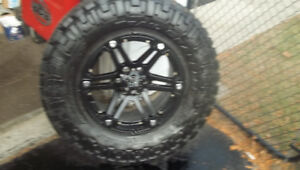 TIRES AND RIMS 6X135 LIKE NEW FORD F150
