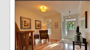 Beautiful Townhouse in Aurora Bayview and Wellington