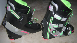 LADIES ALPINE SKI BOOTS SIZE 26 / 301 mm (ROSSIGNOL)