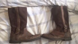 Girls Clark leather boots size 13.5G