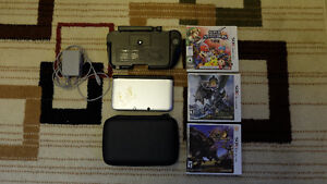 Nintendo 3DS XL with 4 games, Case and Circle Pad