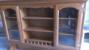 Beautiful solid oak Hutch - No scracthes Kingston Kingston Area image 4