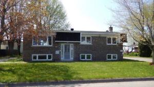 Maison Louiseville près de l'hôpital