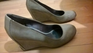 Kenneth Cole Shoes-Size 7-Champagne colour-worn once