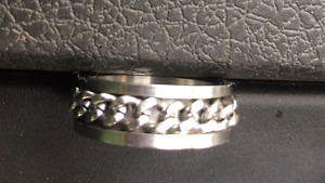 Beautiful Mens' Ring