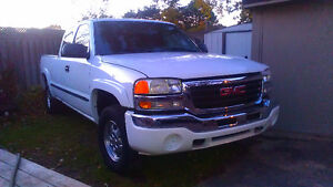 REDUCED!!! 2004 GMC SIERRA EXTENDED CAB 4X4