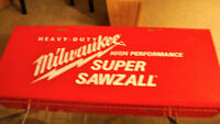 MILWAUKEE SUPER SAWZALL 6527 with METAL CASE and BLADES + MANUAL