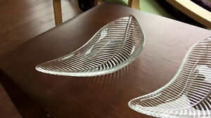 2 GORGEOUS MIKASSA GLASS DISHES , LIKE NEW $ 8 each