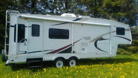 Fifth Wheel Laredo 27RL 2005