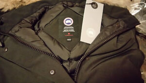 **BRAND NEW with TAGS** authentic Canada Goose Victoria Parka