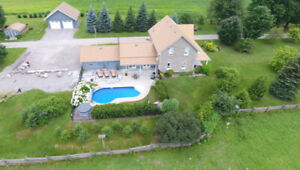 98 ACRE FARM WITH STUNNING HOME - CAMERON
