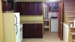 NOVEMBER FREE!!! 1 room in a 3 bedroom  1 minute from campus