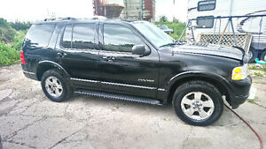 2004 Ford G90 Explorer SUV, Crossover