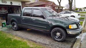 2001 Ford F-150 SuperCrew Pickup Truck