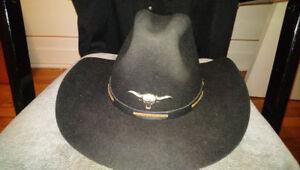 Chapeau cowboy stetson,chemises western, bottes western en cuir