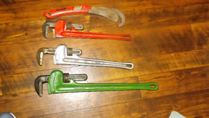 2PIPE WRENCHES