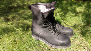 Terra Safety Boots. Size 9, 9.5, 10, 10.5, 11, 11.5