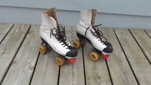 Groovy Pair of Vintage White Leather Roller Skates Size 8 London Ontario image 2