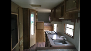 89 21.5ft 5th wheel with hitch in great condition