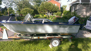 Bateau et remorque / Boat and trailer contre canoe ou kayak