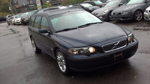 2004 Volvo V70 T5! AUTO! LEATHER! ALLOY!ROOF Wagon!